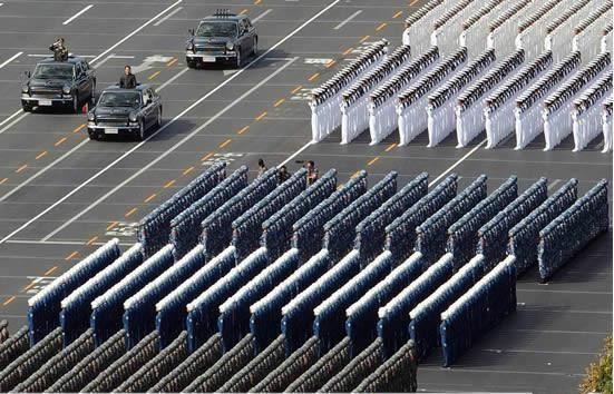 Bí mật xe kiểm duyệt duyệt binh của nguyên thủ quốc gia các nước ảnh 7