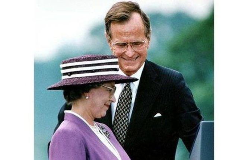 Câu chuyện ít biết về cuộc gặp gỡ giữa nữ hoàng Anh và 12 đời tổng thống Mỹ ảnh 4