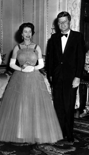 Câu chuyện ít biết về cuộc gặp gỡ giữa nữ hoàng Anh và 12 đời tổng thống Mỹ ảnh 9