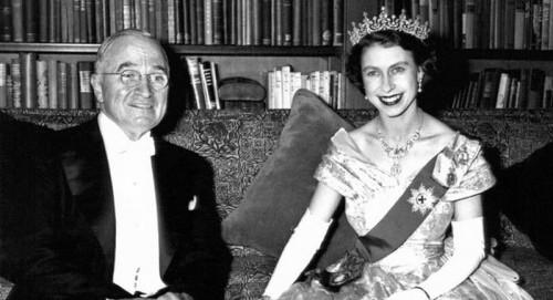 Câu chuyện ít biết về cuộc gặp gỡ giữa nữ hoàng Anh và 12 đời tổng thống Mỹ ảnh 11
