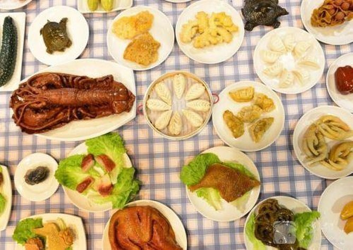 Bàn tiệc 108 món ăn bằng đá trị giá 20 triệu tệ ở Trung Quốc ảnh 1