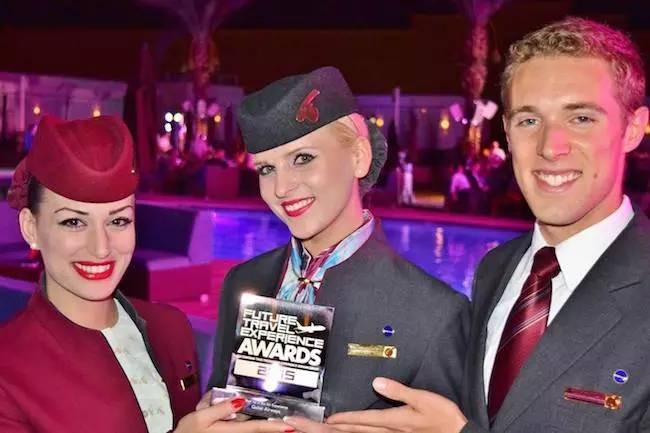 Những nữ tiếp viên hàng không xinh đẹp nhất thế giới ảnh 9