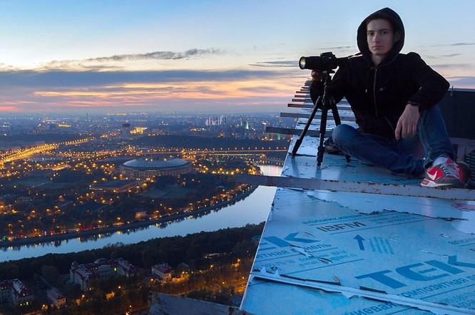Đứng tim với chùm ảnh chụp từ độ cao 156m của chàng trai người Nga ảnh 18