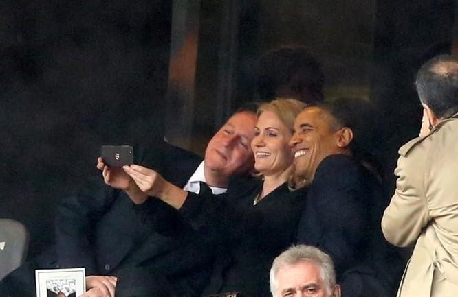 Tổng thống Obama và kiểu tự sướng bị ném đá nhiều nhất ảnh 2