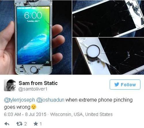 Trào lưu thả rơi iphone hút du khách tham gia ảnh 9