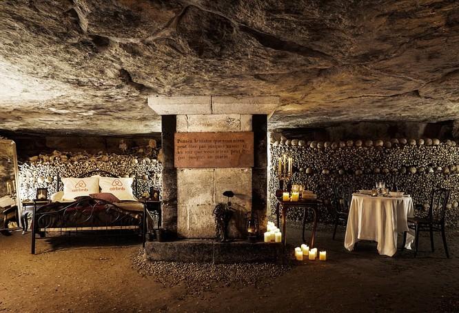 Ngủ đêm với 6 triệu bộ hài cốt trong hầm một tập thể lớn nhất thế giới ảnh 1