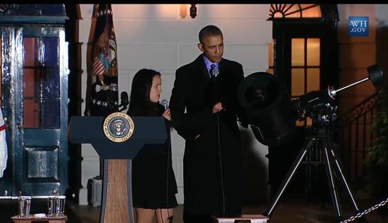 Tổng thống Obama hào hứng ngắm sao cùng Nhà Trắng ảnh 3
