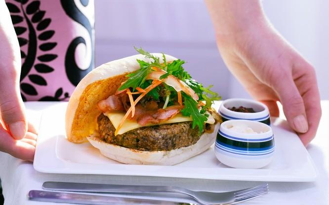 10 hãng hàng không có đồ ăn ngon nhất thế giới ảnh 8