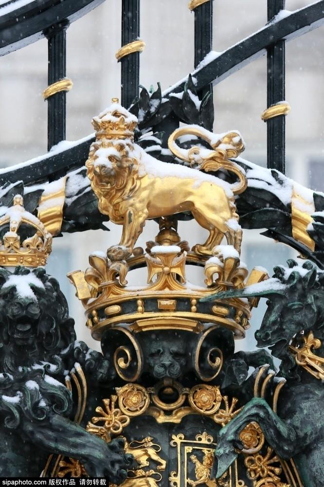 Chiêm ngưỡng cuộc sống xa hoa trong cung điện Buckingham ảnh 12