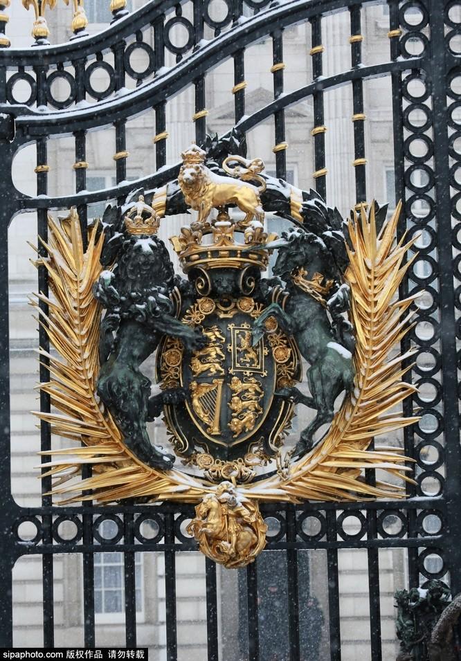 Chiêm ngưỡng cuộc sống xa hoa trong cung điện Buckingham ảnh 26