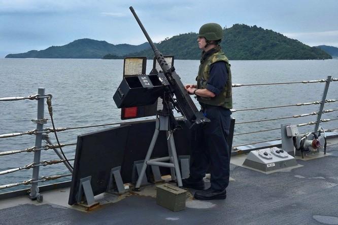 Tàu khu trục USS Lassen Mỹ: Những hình ảnh trực chiến và huấn luyện trên Biển Đông ảnh 4