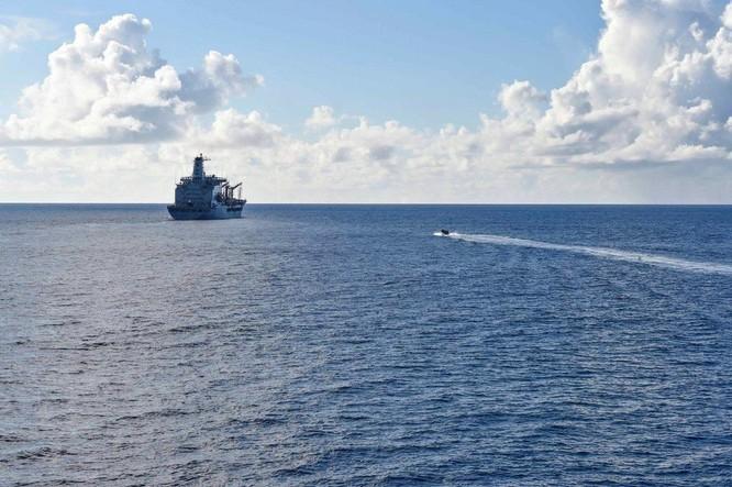 Tàu khu trục USS Lassen Mỹ: Những hình ảnh trực chiến và huấn luyện trên Biển Đông ảnh 9