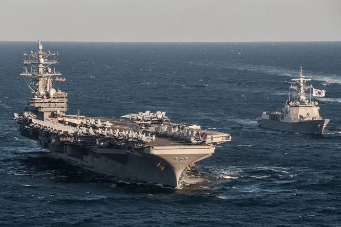 Siêu tàu sân bay Mỹ khoe sức mạnh trong cuộc đối đầu Mỹ - Trung ảnh 4