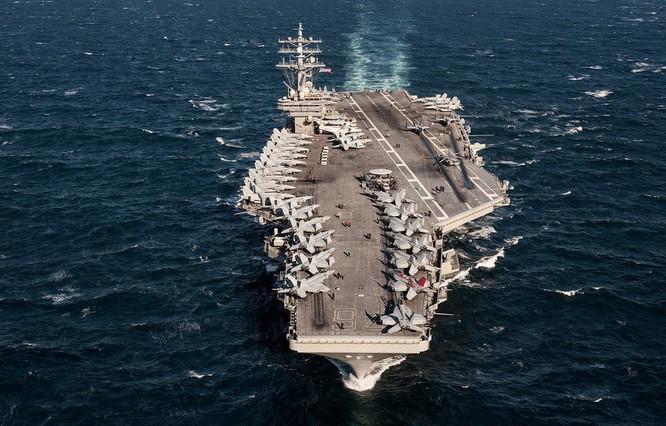 Siêu tàu sân bay Mỹ khoe sức mạnh trong cuộc đối đầu Mỹ - Trung ảnh 3