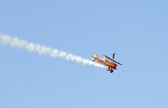 Mãn nhãn với máy bay quân sự các nước tại triển lãm quốc tế Dubai ảnh 2