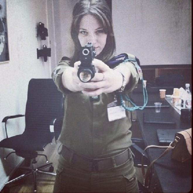 Nóng bỏng những nữ binh Israel xinh đẹp, gợi cảm ảnh 6