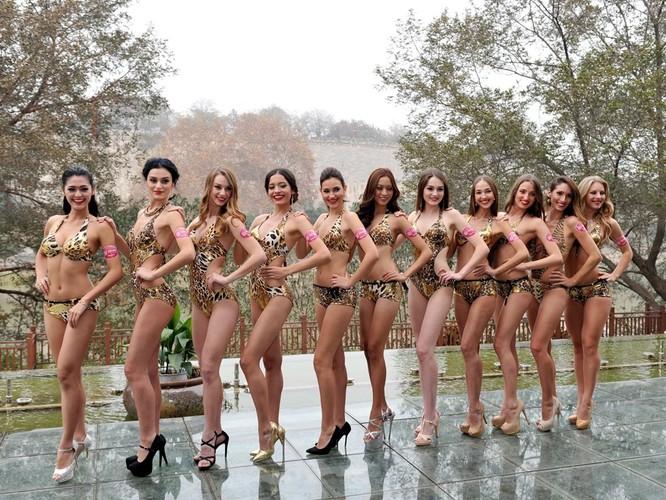 Bốc lửa 42 thí sinh trong trang phục bikini tham dự cuộc thi Hoa hậu các quốc gia năm 2015 ảnh 6