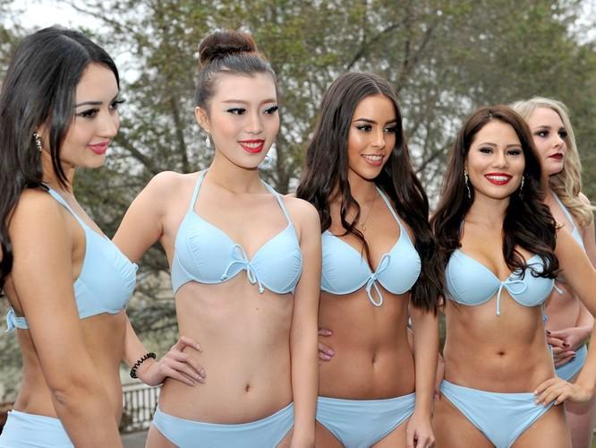Bốc lửa 42 thí sinh trong trang phục bikini tham dự cuộc thi Hoa hậu các quốc gia năm 2015 ảnh 5