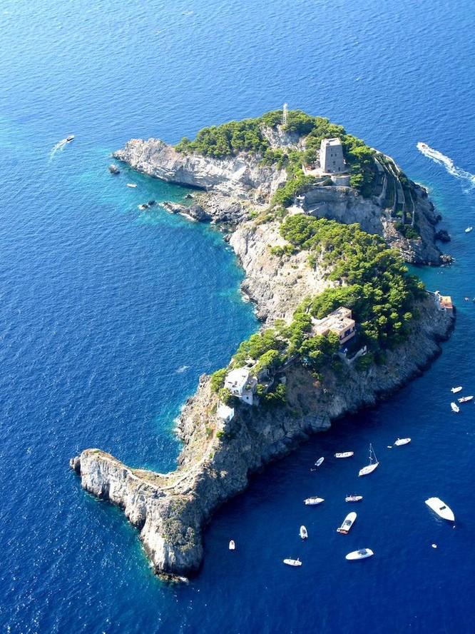 12 hòn đảo có hình thù kỳ lạ nhất thế giới ảnh 11