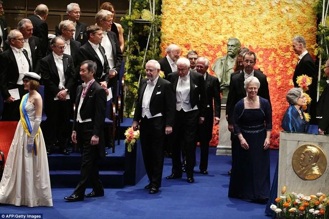 Lộng lẫy tiệc tối Nobel 2015 với 1.300 khách mời siêu VIP ảnh 11