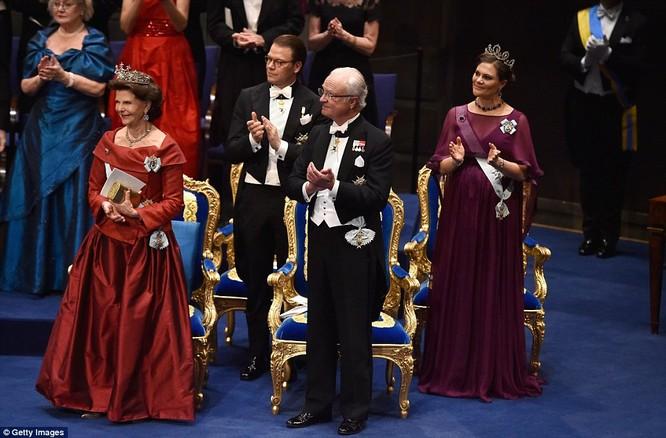 Lộng lẫy tiệc tối Nobel 2015 với 1.300 khách mời siêu VIP ảnh 14