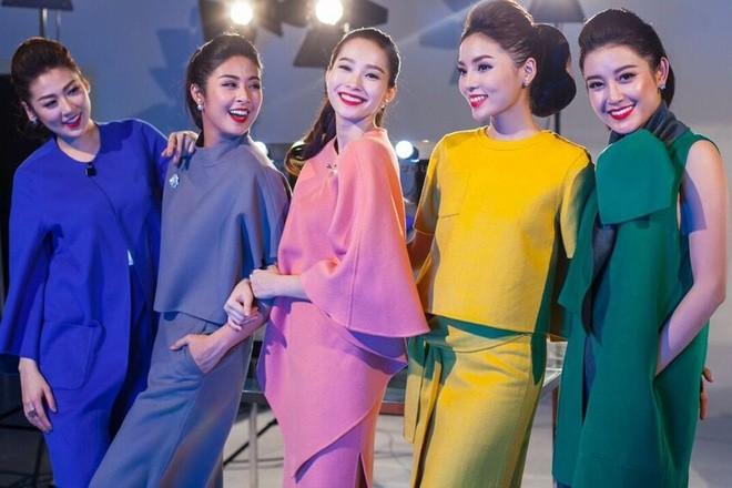 Hậu trường chụp ảnh của các hoa hậu Việt ảnh 1