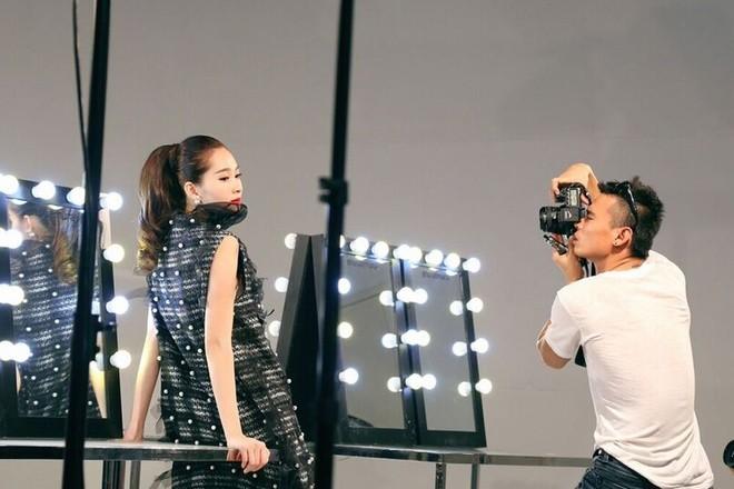 Hậu trường chụp ảnh của các hoa hậu Việt ảnh 3
