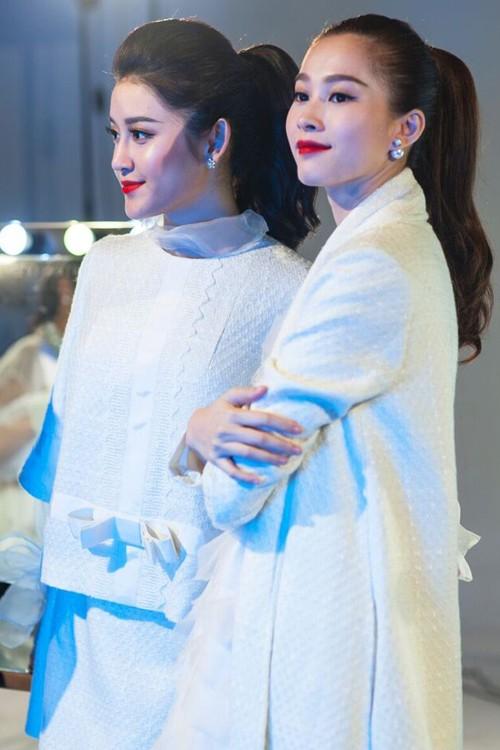 Hậu trường chụp ảnh của các hoa hậu Việt ảnh 8