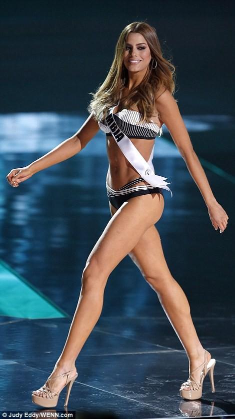 Mãn nhãn với đường cong của 81 người đẹp tham gia Hoa hậu Hoàn vũ 2015 ảnh 16