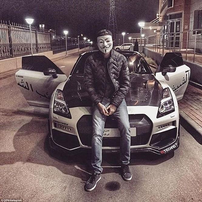 Giới nhà giàu Nga khoe cuộc sống xa hoa, thác loạn ảnh 6