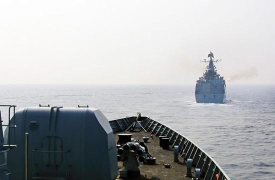 Chùm ảnh mới nhất về hoạt động hạm đội tàu sân bay Mỹ trên Biển Đông ảnh 4