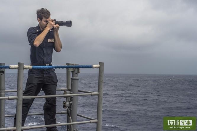 Chùm ảnh mới nhất về hoạt động hạm đội tàu sân bay Mỹ trên Biển Đông ảnh 8