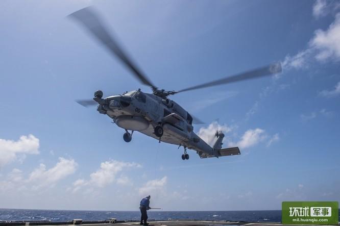 Chùm ảnh mới nhất về hoạt động hạm đội tàu sân bay Mỹ trên Biển Đông ảnh 12