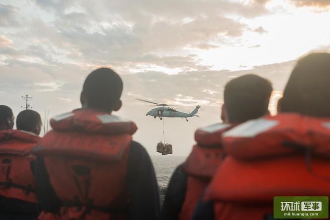 Chùm ảnh mới nhất về hoạt động hạm đội tàu sân bay Mỹ trên Biển Đông ảnh 2