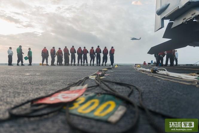 Chùm ảnh mới nhất về hoạt động hạm đội tàu sân bay Mỹ trên Biển Đông ảnh 6