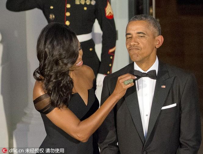 Thủ tướng chải tóc, bộ trưởng thoa son: Khi chính khách thích làm đẹp ảnh 2