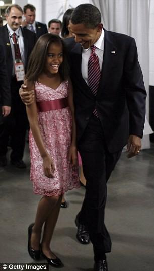 Phong cách thời trang của hai con gái tổng thống Obama sau 8 năm đồng hành cùng cha ảnh 4