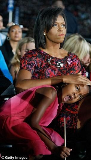 Phong cách thời trang của hai con gái tổng thống Obama sau 8 năm đồng hành cùng cha ảnh 3