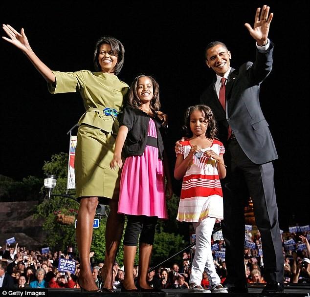Phong cách thời trang của hai con gái tổng thống Obama sau 8 năm đồng hành cùng cha ảnh 1