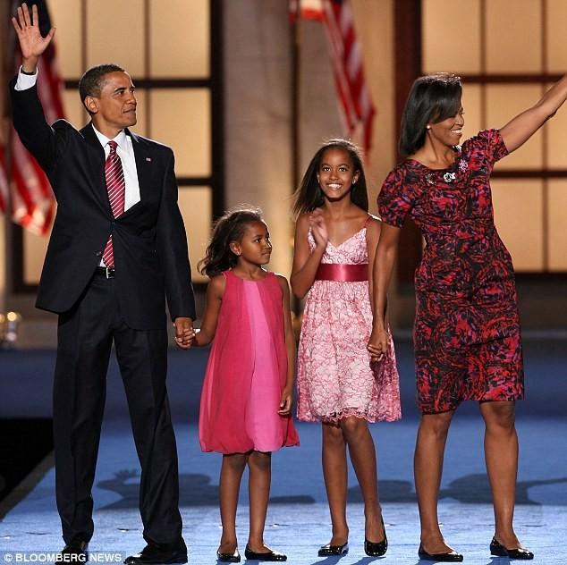 Phong cách thời trang của hai con gái tổng thống Obama sau 8 năm đồng hành cùng cha ảnh 2