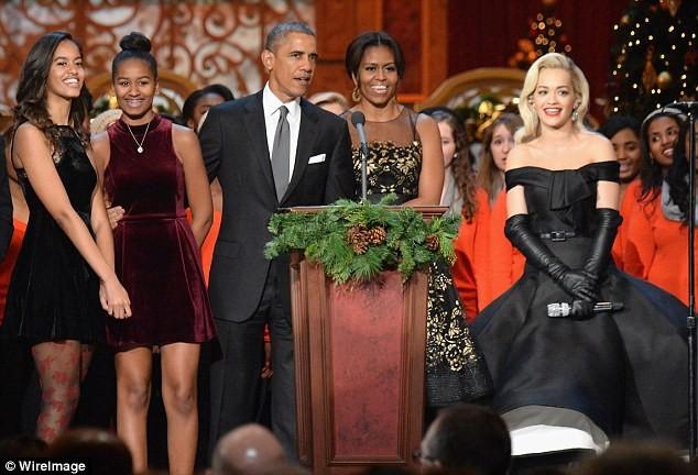Phong cách thời trang của hai con gái tổng thống Obama sau 8 năm đồng hành cùng cha ảnh 23