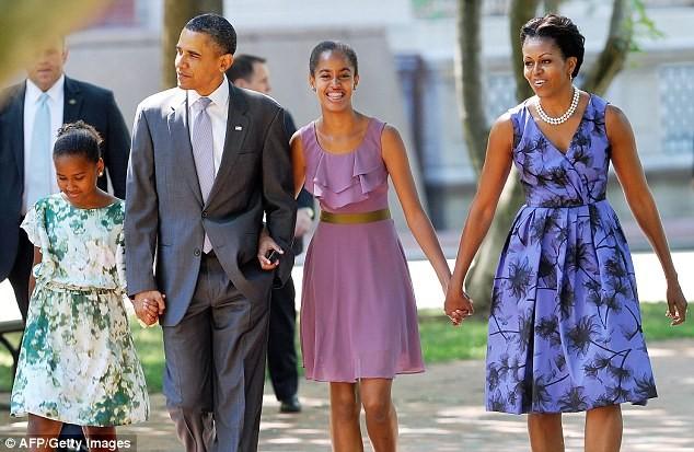 Phong cách thời trang của hai con gái tổng thống Obama sau 8 năm đồng hành cùng cha ảnh 13