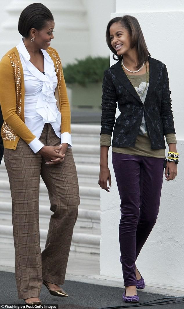 Phong cách thời trang của hai con gái tổng thống Obama sau 8 năm đồng hành cùng cha ảnh 10