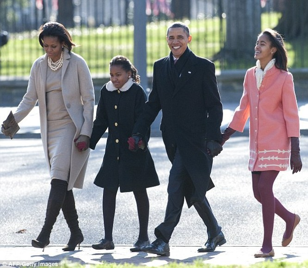 Phong cách thời trang của hai con gái tổng thống Obama sau 8 năm đồng hành cùng cha ảnh 14