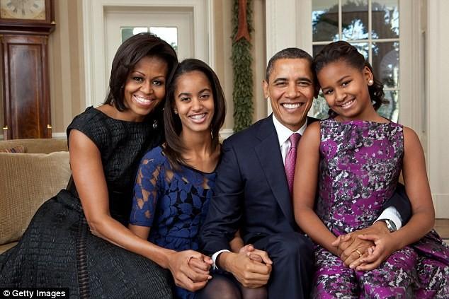 Phong cách thời trang của hai con gái tổng thống Obama sau 8 năm đồng hành cùng cha ảnh 11
