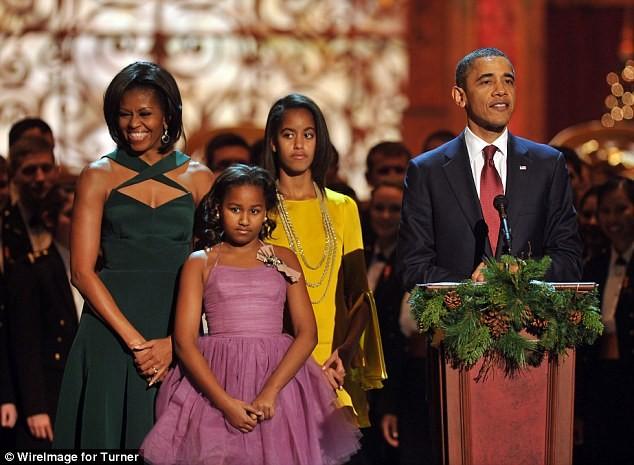 Phong cách thời trang của hai con gái tổng thống Obama sau 8 năm đồng hành cùng cha ảnh 12