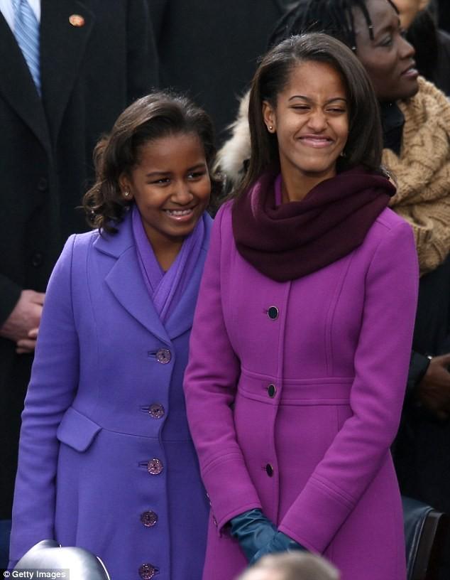 Phong cách thời trang của hai con gái tổng thống Obama sau 8 năm đồng hành cùng cha ảnh 18