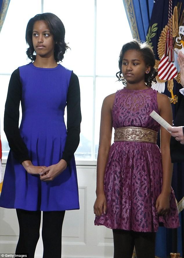 Phong cách thời trang của hai con gái tổng thống Obama sau 8 năm đồng hành cùng cha ảnh 19