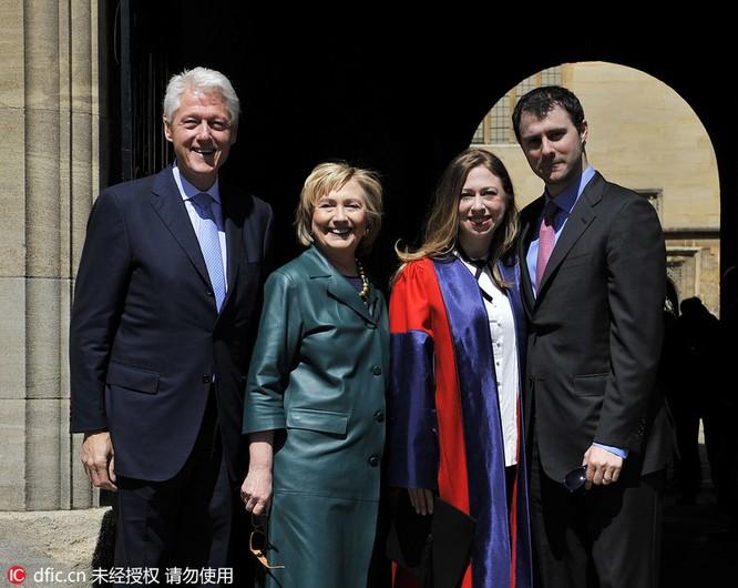 Khi tổng thống Mỹ, hoàng gia Nhật Bản chụp ảnh gia đình ảnh 2