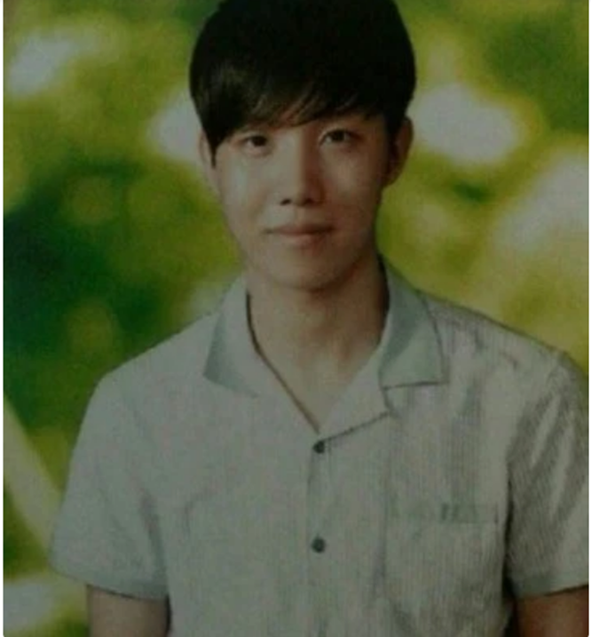 Trước khi trở thành ngôi sao lớn, thành viên BTS được phát hiện như thế nào? ảnh 14